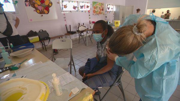 Vaccinodrome à l'école Amélie-Cosnier de Nouville, le 18 septembre 2021.