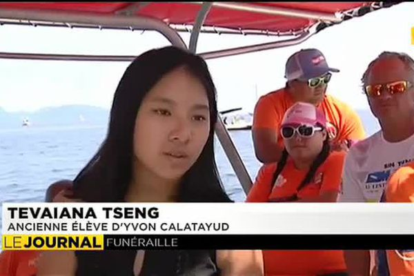 Cérémonie en baie de Matavai en hommage à Yvon Catalayud