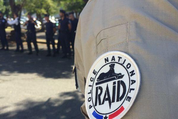 Aucun des 17 policiers ne manque à cet appel du 18 juin ! RAID