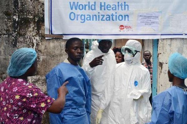Ebola : il meurt a été mordu par un patient qui voulait violer une malade