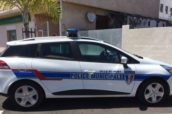 Voiture de police Le Port