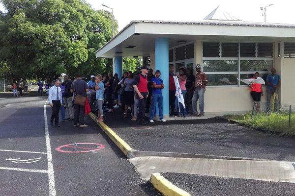 Les gardiens de prison sont en colère en Guadeloupe
