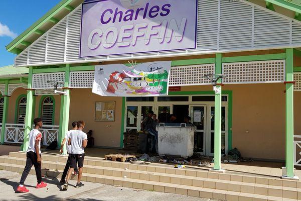 Lycée Charles Coeffin bloqué