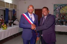 L'ancien et le nouveau maire de Petit Bourg