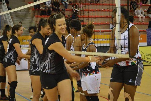 Les Néo-zélandaises remportent les Oceania 2018 de volley-ball, en battant les Fidjiennes.