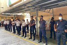 Hommage aux policiers morts en service commandé.