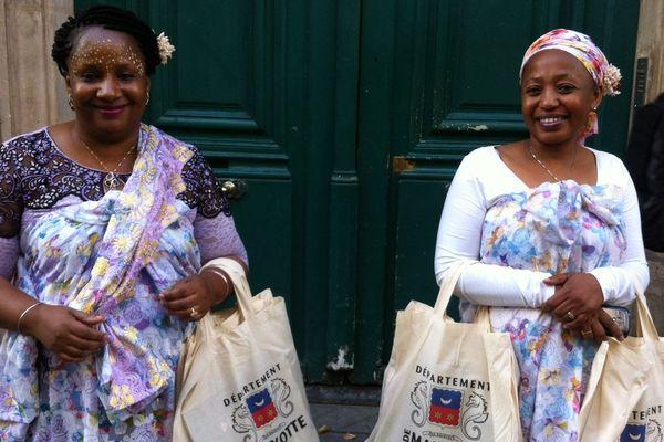 Mahoraises de Paris lors de l'inauguration de la Maison de Mayotte