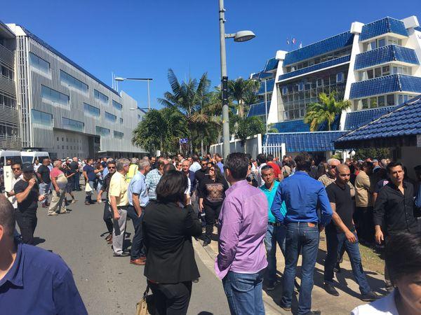 TGC Manifestation intersyndicale vie chère - Medef-NC devant le gouvernement