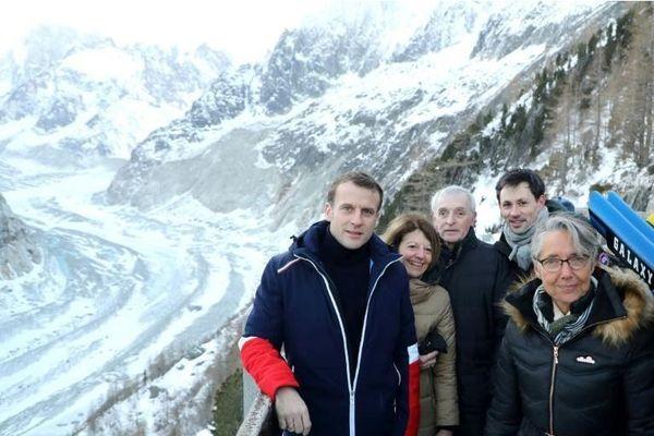 Emmanuel Macron en visite sur la mer de glace
