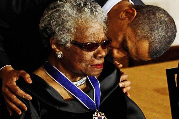 Barack Obama remet la Médaille présidentielle de la liberté à Maya Angelou
