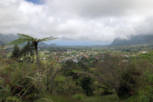 Vue sur la commune de la Plaine des Palmistes.