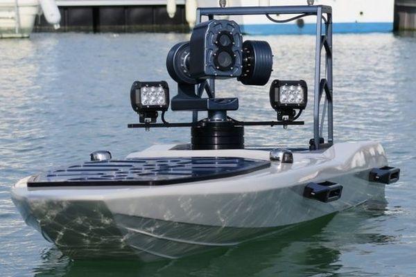 Un bateau robot anti requin