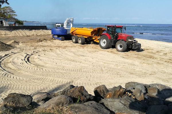 La plage éphémère de Saint-Leu va disparaître.