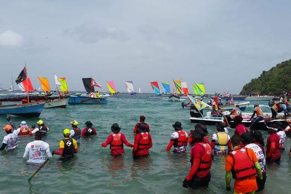 Tour de Martinique en yoles rondes