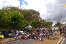 Chute collective au Moule, à l'arrivée de la 7e étape du tour cycliste international de Guadeloupe