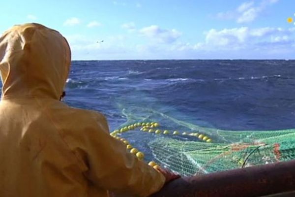 pêche bateau filet mer