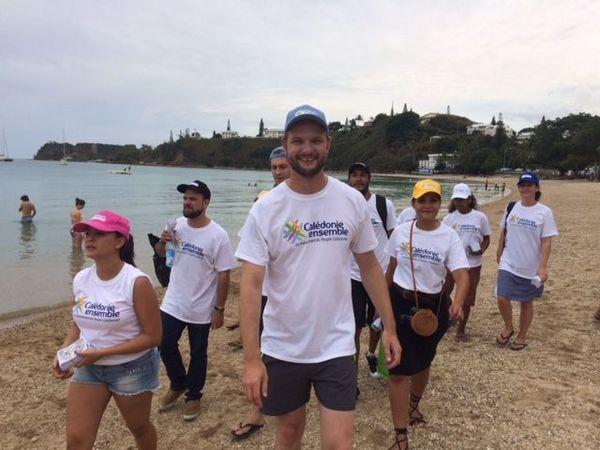 Calédonie Ensemble campagne référendum sur les plages