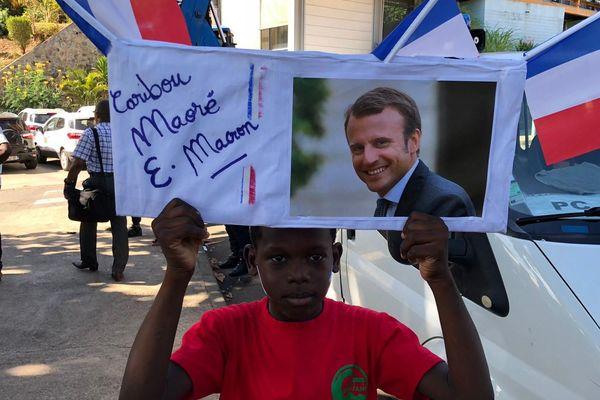 Caribou Macron