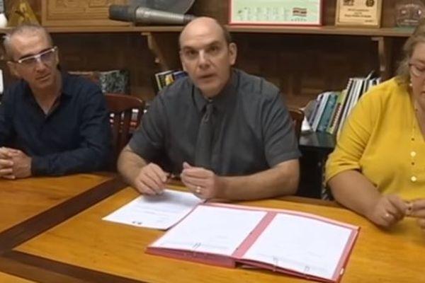 Signature convention Saint-Laurent
