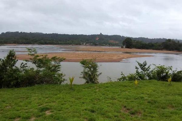 Le fleuve Maroni asséché