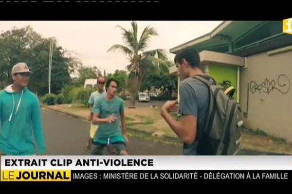 Quatre vidéos contre la violence