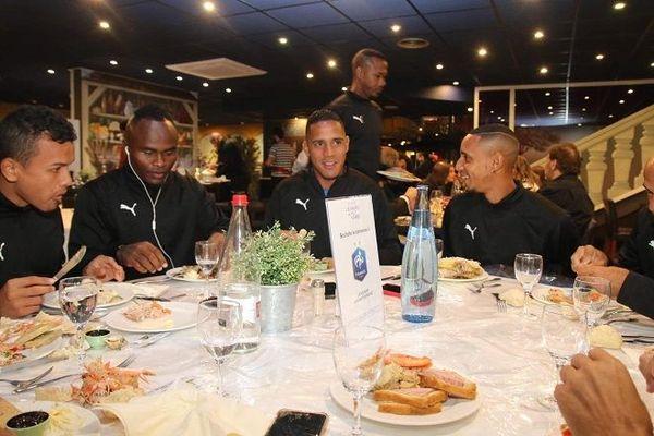 Avant d'affronter Niort, les footballeurs de la St-Pierroise ont passé le réveillon lors de La Réunion.