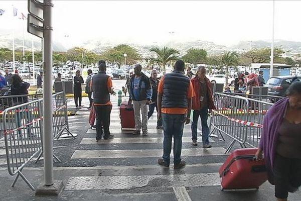 20160715 Réactions controle aeroport