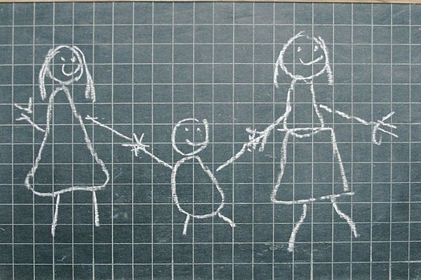 Familles homosexuelles : le TGI de Nanterre accorde 3 adoptions