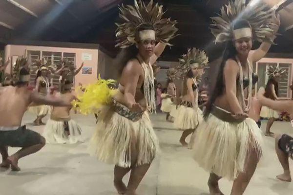 Bora bora troupe Here ori