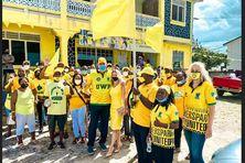 Allan Chastanet, Premier ministre sortant de Sainte Lucie dépose sa candidature à Desruisseaux dans le sud du pays.