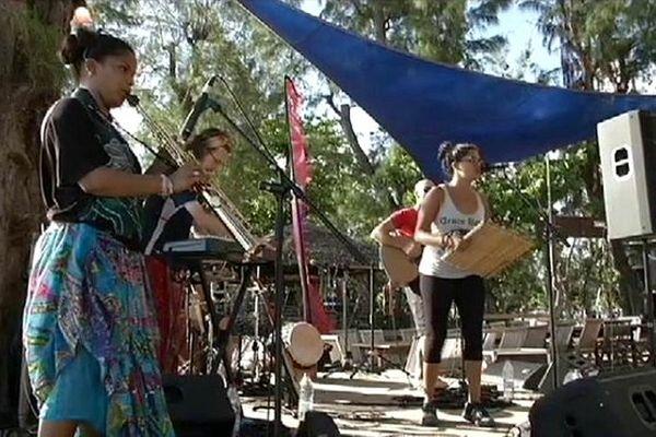 Réunion 1ère partenaire du Festival Sakifo 2014 - Artistes sur scène