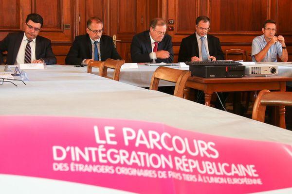 Signature d'un accord en faveur de l'insertion professionnelle des étrangers primo-arrivants
