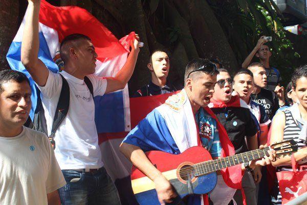 Un groupe de jeunes JMJistes avant de monter au sommet du Corcovado