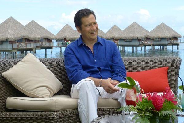 Laurent Gerra au Méridien à Tahiti, interviewé par Lolo pour Polynésie 1ère 3