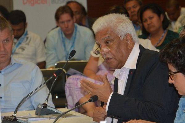 Jean-Claude de l'Estrac, Secrétaire général de la COI
