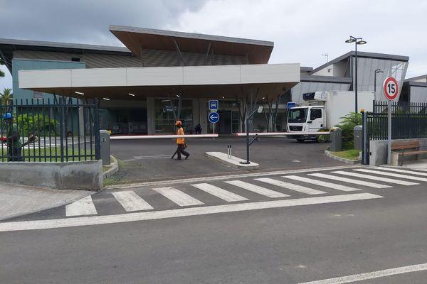 Ouverture (inauguration) de l'hôpital de Pamandzi Martial Henry
