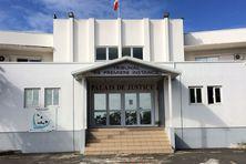 En Nouvelle-Calédonie, le PACS, pacte civil de solidarité, en place depuis 12 ans, se signe au tribunal.