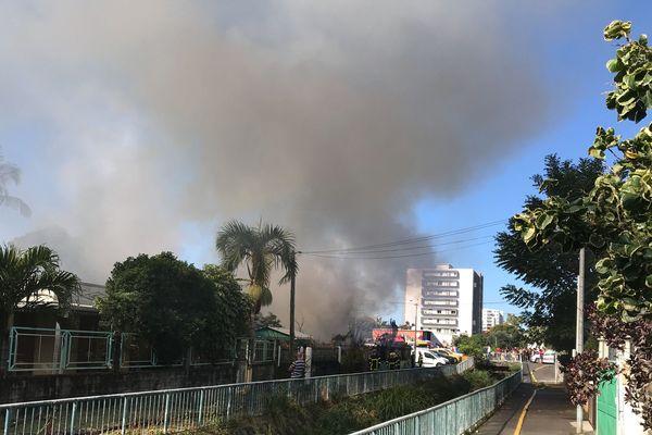 Incendie quartier de La Source à Saint-Denis 20190806-01