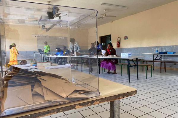 urnes vote ouvéa