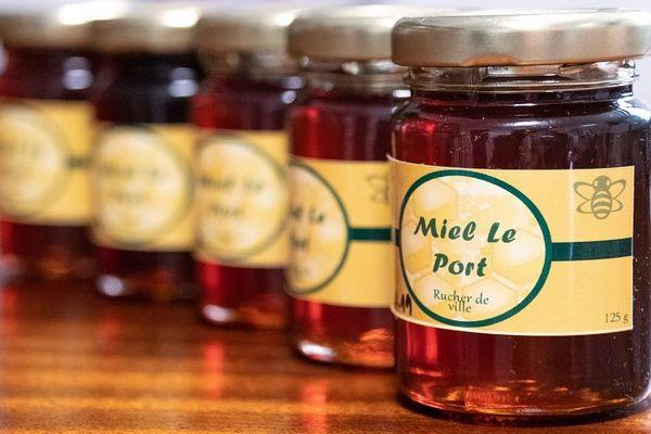 le miel de fleurs du Port