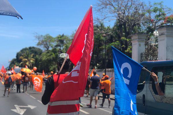 L'intersyndicale dénonce l'interdiction de circuler autour de la préfecture