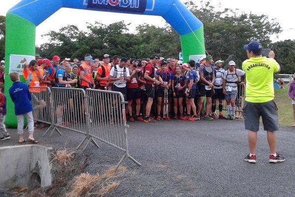 Départ deuxième étape Transcal Deva Bourail (2 juillet 2017)