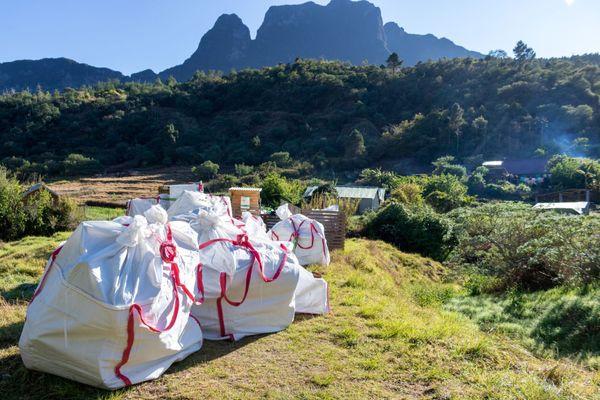 20 tonnes de déchets évacués de Mafate