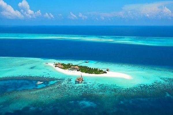 Ile Kunfunadhoo hôtel aux Maldives