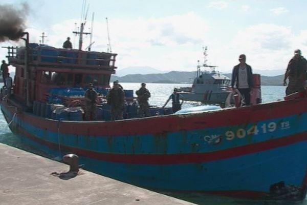Bateau vietnamien pêche illégale