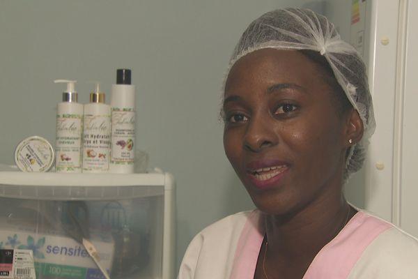 Chéquita Bagadi, productrice de produits cosmétiques