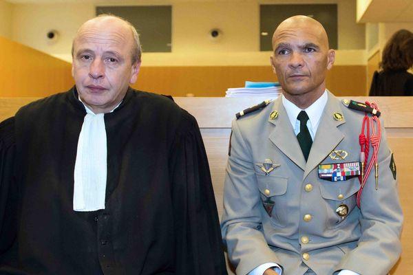 Le légionnaire réunionnais Philippe Fontaine et son avocat Dominique Mattei