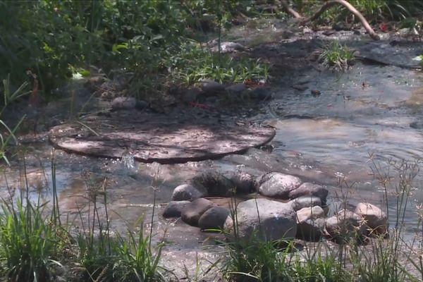 problème assainissement rivière sens
