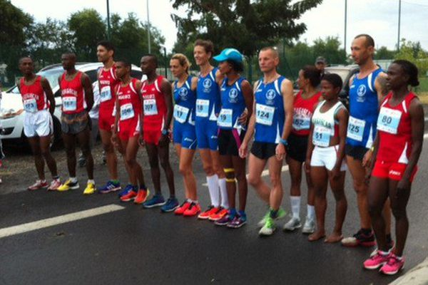 Les 13 participants au semi-marathon