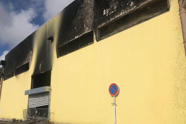 Incendie Saint André gymnase Michel Debré